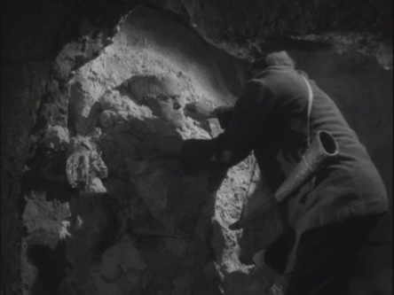Ghost of Frankenstein (1942)_004.jpg