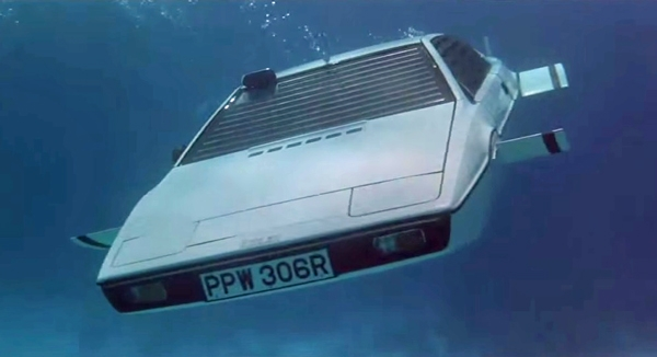 lotus-esprit-s1-bond-1.jpg