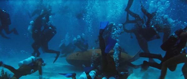 underwater_fight.jpg