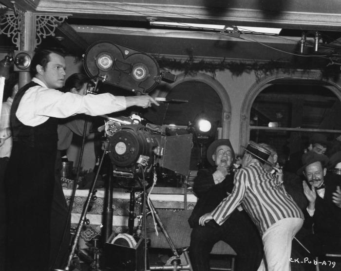 Orson_Welles_directing_Kane.jpg