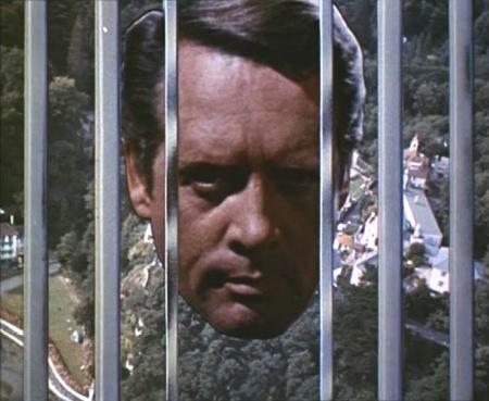 The_Prisoner_behind_the_bars.jpg