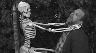 Lost_Skeleton_of_Cadavra_skeleton_strangle